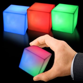 "LIGHTED   2 34""   COLOR MORPHING DECORATORS  CUBE"