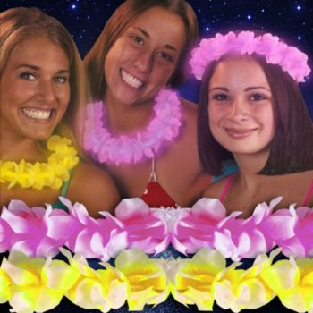 GLOW NECKLACES IN A FLOWER LEI